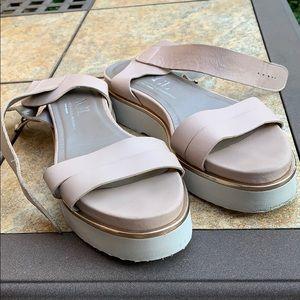 Agl sandals size 10
